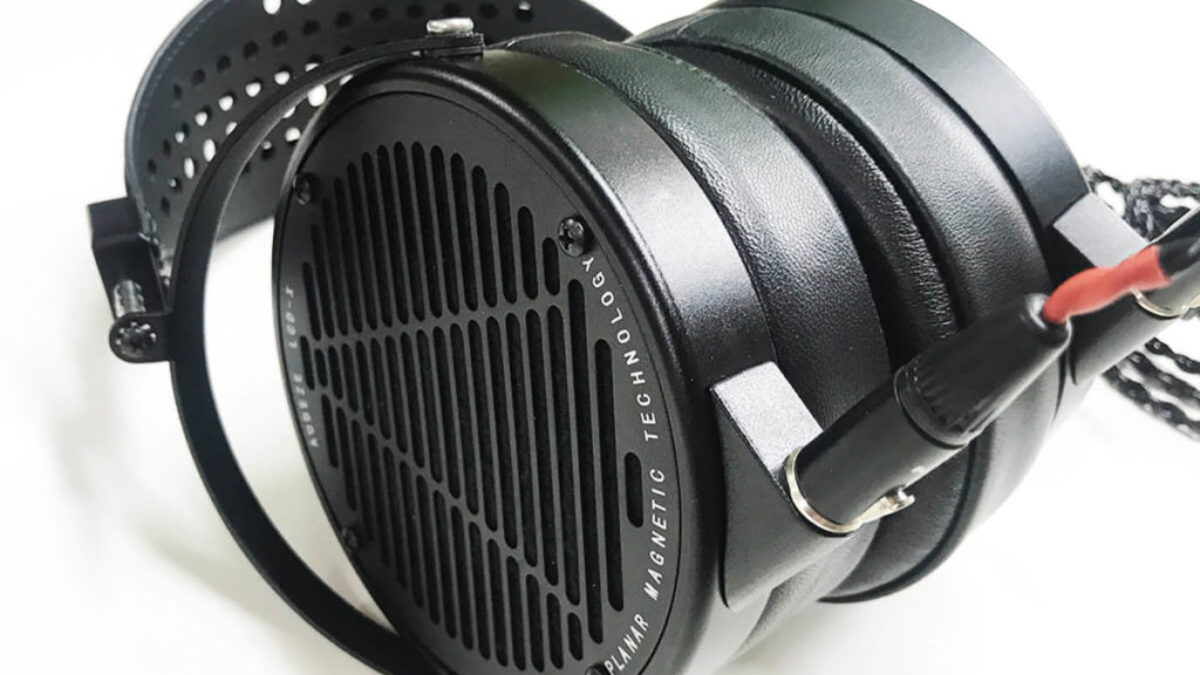Best-Open-Back-Studio-Headphones-Audeze-LCD-X-Review-1024x770